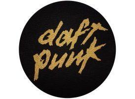 Pareja de patinadores Daft Punk